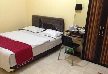 Rotterdam Homestay Surabaya - Superior Regular Plan