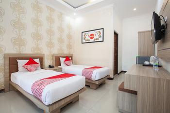 OYO 763 Bromo View Hotel Probolinggo - Suite Twin Regular Plan