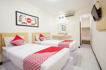 OYO 763 Bromo View Hotel Probolinggo - Standard Twin Room Regular Plan