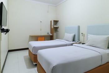 Celia Hotel Samarinda - Superior Twin Breakfast NR Regular Plan
