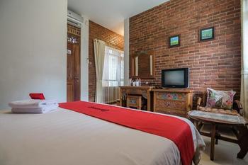 RedDoorz Plus near Exit Toll Pasteur 2 Bandung - RedDoorz Room With Breakfast Last Minute