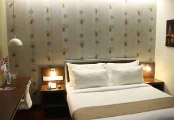 Hero Hotel Ambon - Executive Room Only Regular Plan