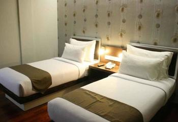 Hero Hotel Ambon - Deluxe Twin Room Only Regular Plan