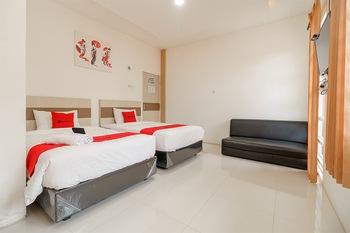 RedDoorz near Palembang Trade Center Palembang - RedDoorz Twin Room with Breakfast Best Deal