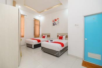 RedDoorz near Palembang Trade Center Palembang - Twin Room with Breakfast Regular Plan