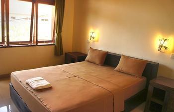 Yulia 1 Homestay Bali - Standard Double Room with Fan Regular Plan
