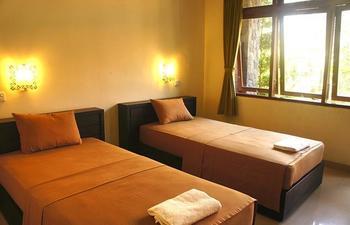 Yulia 1 Homestay Bali - Standard Twin Room with Fan Regular Plan