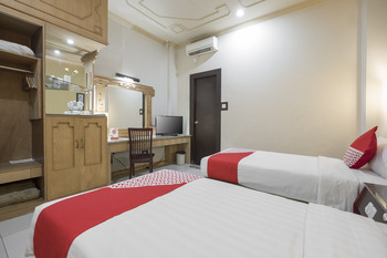 OYO 821 Hotel Dinasti Makassar - Standard Twin Room Regular Plan