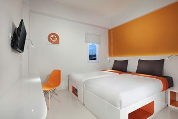 Starlet Hotel Gading Serpong - Superior Twin Stay 2 Pay Less