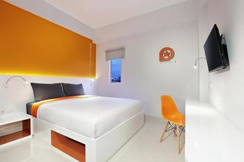 Starlet Hotel Gading Serpong - Deluxe King Stay 2 Pay Less