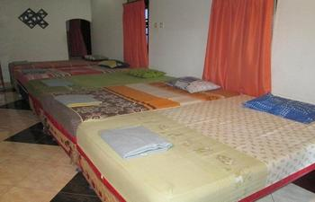 Pondokan Ahlan Syariah Jogja - Family Room with AC Regular Plan