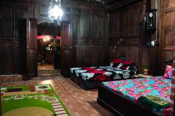 Flamboyan Inn Banyuwangi - Villa with Breakfast FC Special Deal