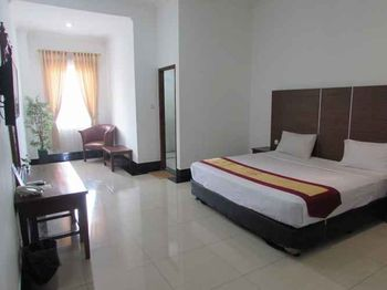 Rizen Padjadjaran Bogor Bogor - Deluxe Double Room Only Regular Plan
