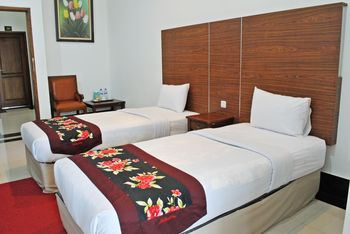 Rizen Padjadjaran Bogor Bogor - Deluxe Twin Room Only Regular Plan