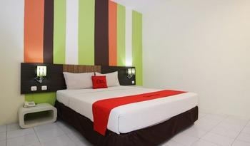 RedDoorz Plus near Keraton Yogyakarta 2 Yogyakarta - RedDoorz Room with Breakfast Regular Plan