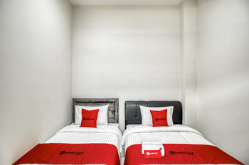 RedDoorz near Affandi Gejayan 2 Yogyakarta - RedDoorz Twin with Breakfast 24 Hours Deal