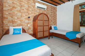 Airy Malioboro Sosrowijayan 76 Yogyakarta Yogyakarta - Deluxe Twin Room with Breakfast Special Promo 5