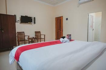 RedDoorz near Ringroad City Walks Medan Medan - RedDoorz Room with Breakfast Basic Deal