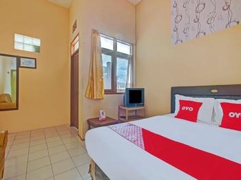 OYO 3866 Villa Gothick Malang - Standard Double Room Regular Plan