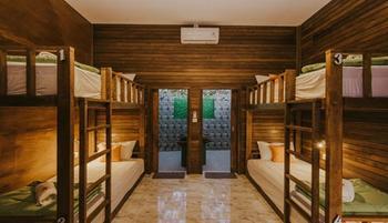 Devadav Hostel Bunk Bed
