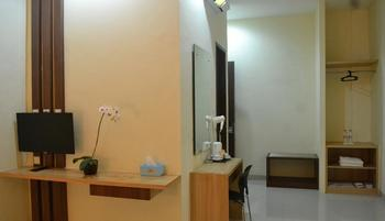 City Hotel Tasikmalaya - Superior King Bed Room Regular Plan