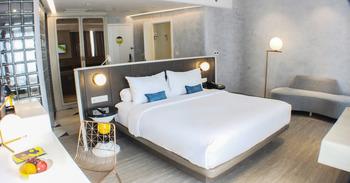 Yello Hotel Harmoni Jakarta - Yello Suite with breakfast 1 person Regular Plan