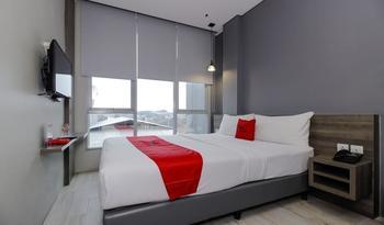 RedDoorz Plus near Tebet Jakarta - RedDoorz Suite Regular Plan
