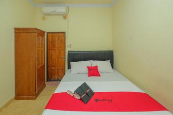 RedDoorz Syariah near Taman Murjani 2 Banjarmasin - RedDoorz Room with Breakfast Basic Deal
