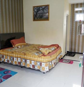 Alpukat Homestay Malang - Standard Room Only 3 Beds Room Regular Plan