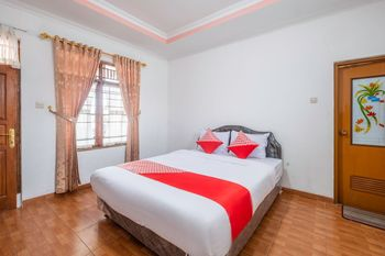 OYO 1541 Puri Cikole Asri Lembang - Standard Double Room Regular Plan