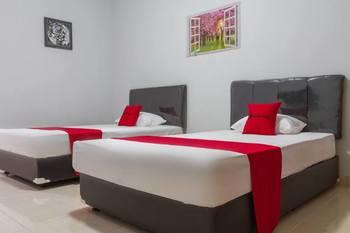 RedDoorz Resort @ Ciater - Twin Room 24 Hours Deal