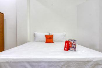 RedDoorz near Widya Mandala University Surabaya - RedDoorz Room with Breakfast Regular Plan