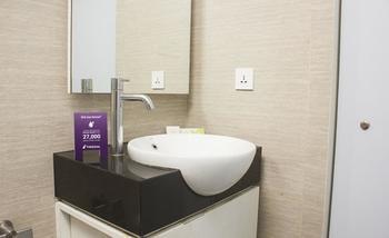 Tinggal Standard Kusuma Bangsa Ketabang Genteng - Standard Room Romantic Stay - 50%