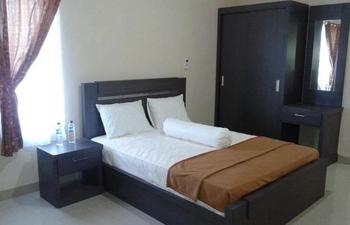 Hanlis House Syariah Medan - Deluxe Premium Room Regular Plan