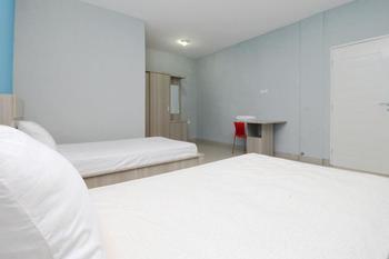 Sky Inn Syariah Sei Kapuas 1 Medan - Deluxe Twin Room Only Regular Plan