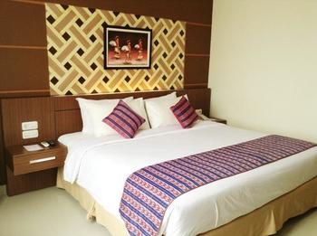 Aerotel Smile Makassar - Deluxe King - Room Only Regular Plan