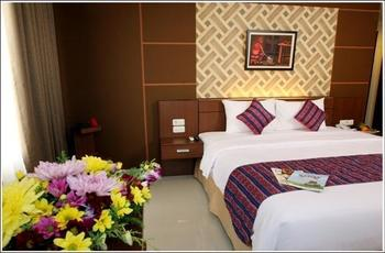 Aerotel Smile Makassar -  Executive Suite Room Regular Plan