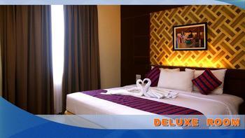 Aerotel Smile Makassar - Deluxe Room Twin Regular Plan