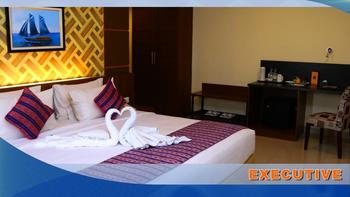 Aerotel Smile Makassar -  Executive Suite Room Basic Deal 8%