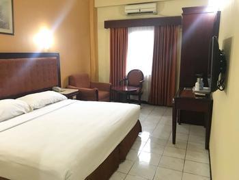Hotel Menteng 1 Jakarta - Superior Room include Breakfast Regular Plan
