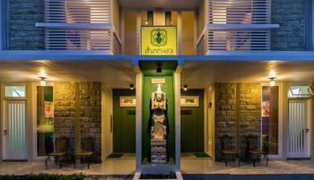 Dhanesvara Villa