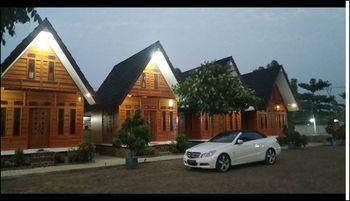 Villa Satria Bahari