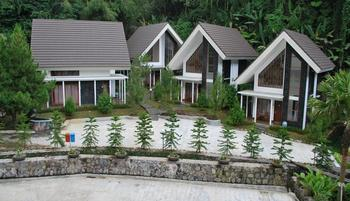 Zuri Resort & Convention Cianjur - Roselia 2 Bed Room PROMO HEPI