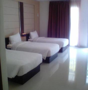 Zuri Resort & Convention Cianjur - Amarillis Triple(  Hollywood With AC & Non Smoking Room ) PROMO HEPI