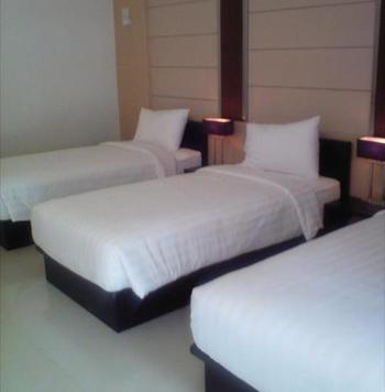 Zuri Resort & Convention Cianjur - Orchid Triple Bed PROMO HEPI