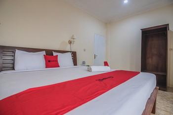 RedDoorz near Kebun Raya Cibodas Cianjur - RedDoorz Room Regular Plan