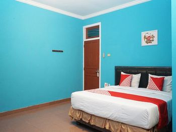 OYO 923 Penginapan Balai Sultan Pangkalpinang - Deluxe Double Room Regular Plan