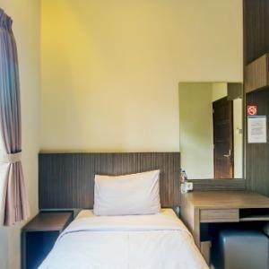 D River Guest House Bandung - Deluxe Single Room Regular Plan