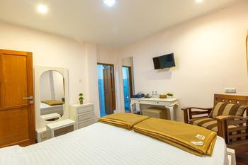 Jayagiri Guesthouse Bandung - Deluxe Room Regular Plan