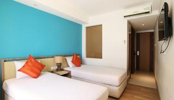 Santosa City Hotel Bali - Deluxe Twin Room with Breakfast Minimum Stay 2 N